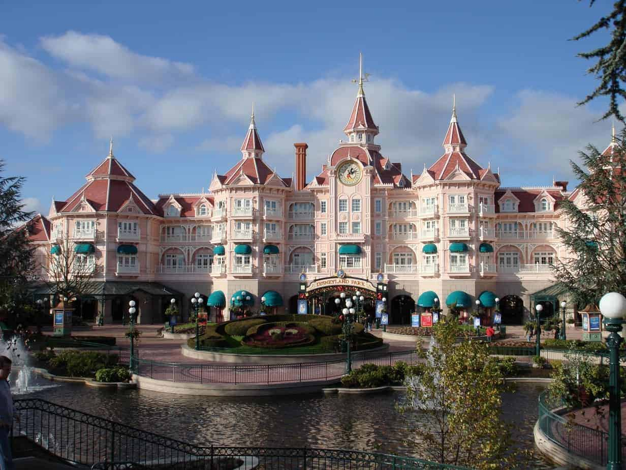 Hoe duur zijn de hotels in disneyland paris for Hotels eurodisney