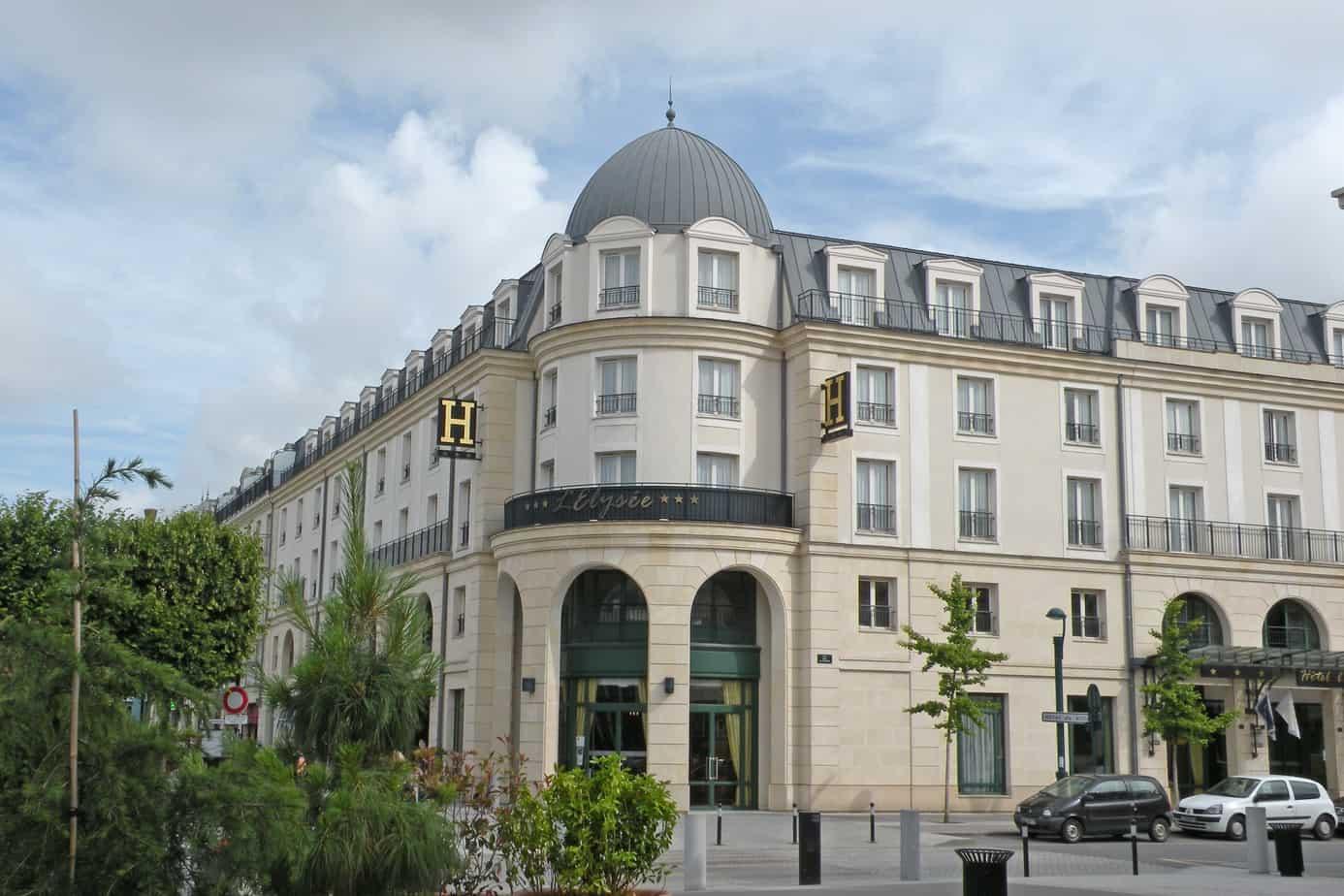 hotel l 39 elysee val d 39 europe. Black Bedroom Furniture Sets. Home Design Ideas