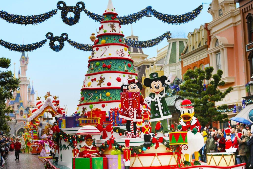Afbeeldingsresultaat voor disneyland kerst winkel