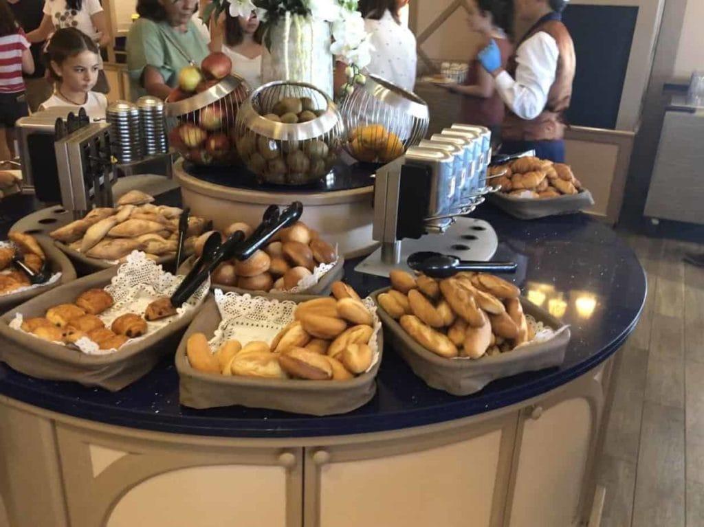 Broodjes bij het ontbijt