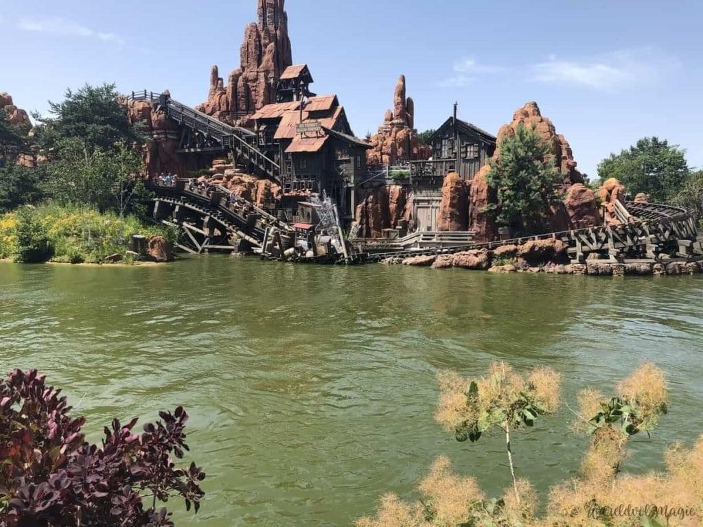 Druktekalender Disneyland Paris - Big Thunder Mountain heeft vaak lange wachtrijen