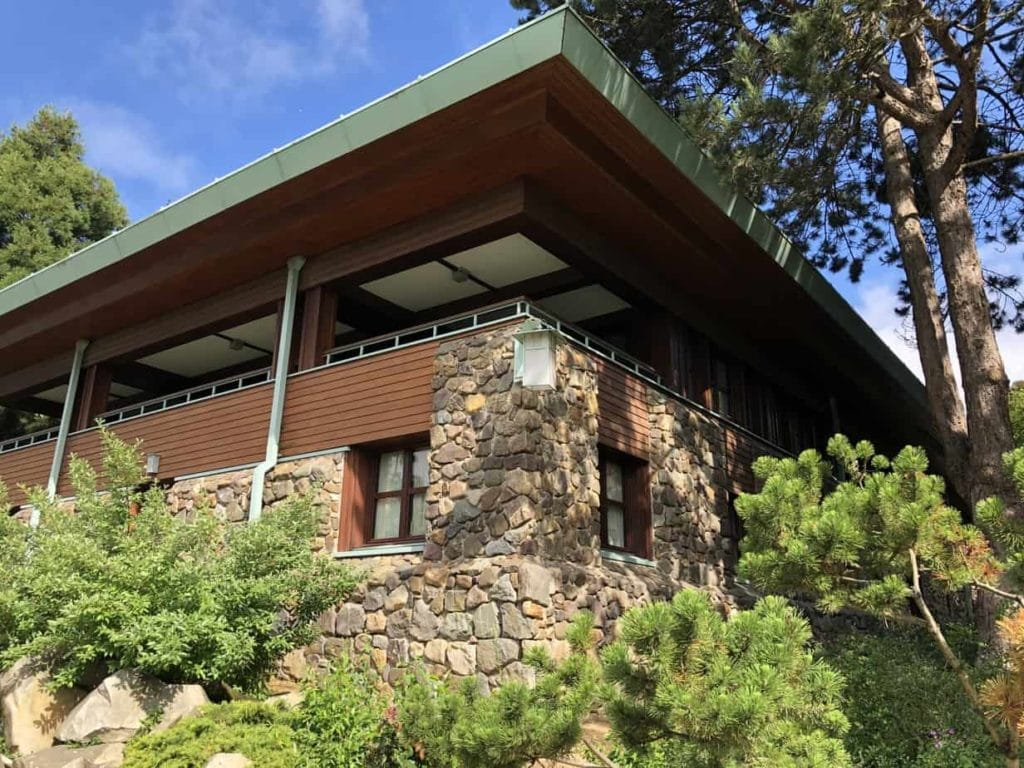 EuroDisney hotel Sequoia Lodge